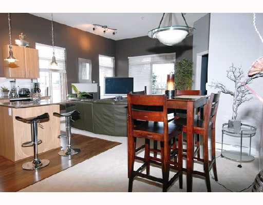 # 402 12020 207A ST - Northwest Maple Ridge Apartment/Condo for sale, 2 Bedrooms (V699416) #2