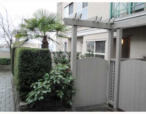 # C9 332 LONSDALE AV - Lower Lonsdale Apartment/Condo for sale, 2 Bedrooms (V803352) #10